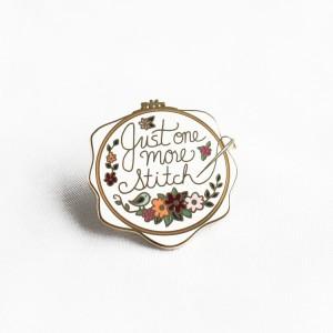 China factory for custom soft hard enamel metal pin badge